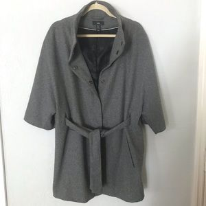 H&M gray coat/cape with paisley lining sized 10